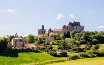 L'impressionnant château de Biron